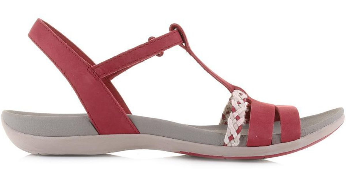 5958f5559551 Clarks Tealite Grace Flat Sandals in Red - Lyst