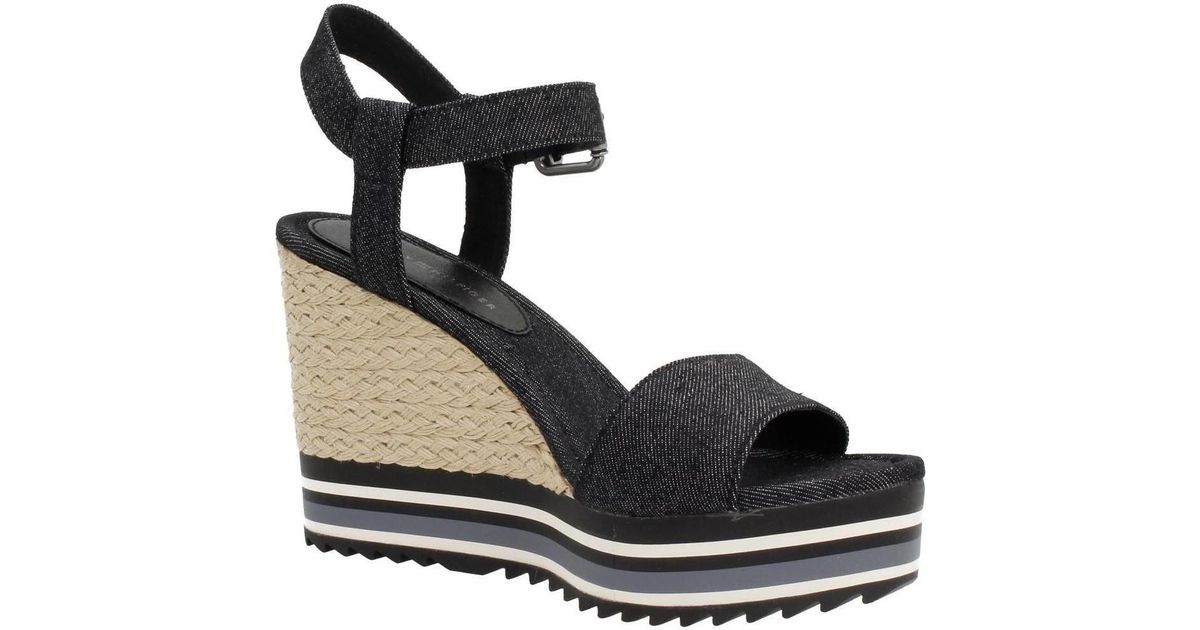 6715a565036370 Tommy Hilfiger Veranice 1d Women s Sandals In Black in Black - Lyst