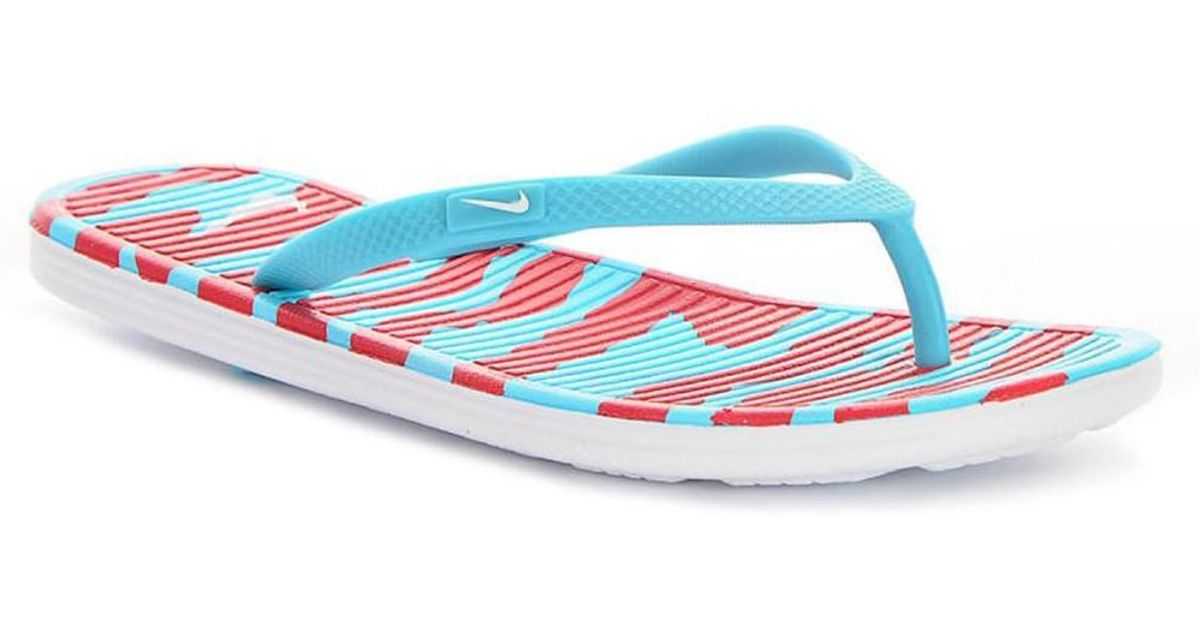 4293c43be156 Nike Wmns Solarsoft Thong Ii Print Women s Flip Flops   Sandals (shoes) In  Red in Red - Lyst
