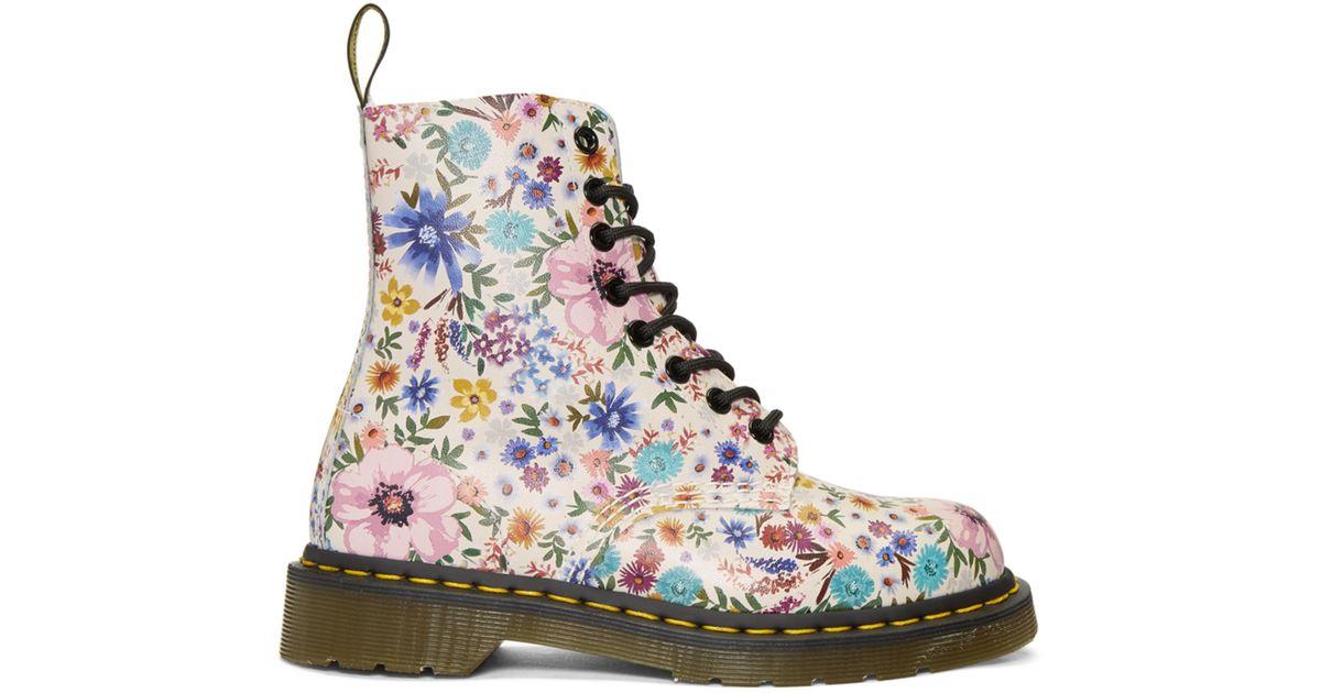 White Pascale Wanderlust Boots Dr. Martens cXh8Bcgk