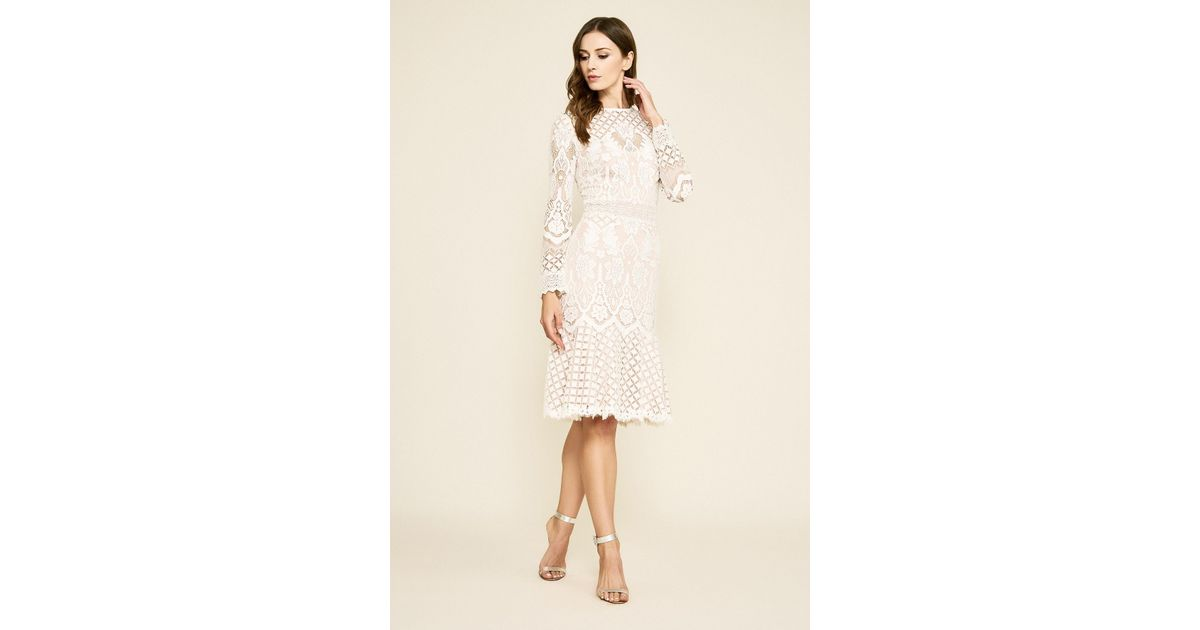 b829d6fb69 Lyst - Tadashi Shoji Barron Long-sleeve Lace Dress in Natural