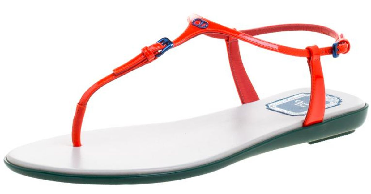 935b1aa3ce7 Dior Floresent Patent Leather Lagoon Flat Thong Sandals in Orange - Lyst