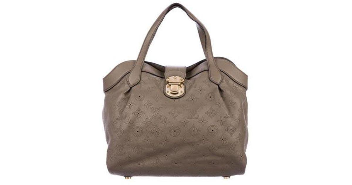 fe46a69e7d03 Lyst - Louis Vuitton Mahina Cirrus Pm Brass in Metallic