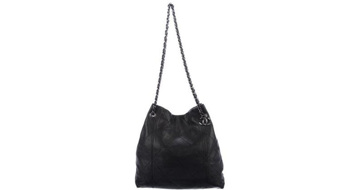 e5e544cc800e Lyst - Chanel Lambskin Cc Tote Black in Metallic