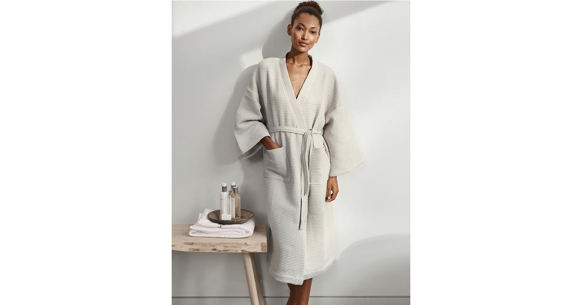 The White Company Lightweight Waffle Robe in Gray - Lyst