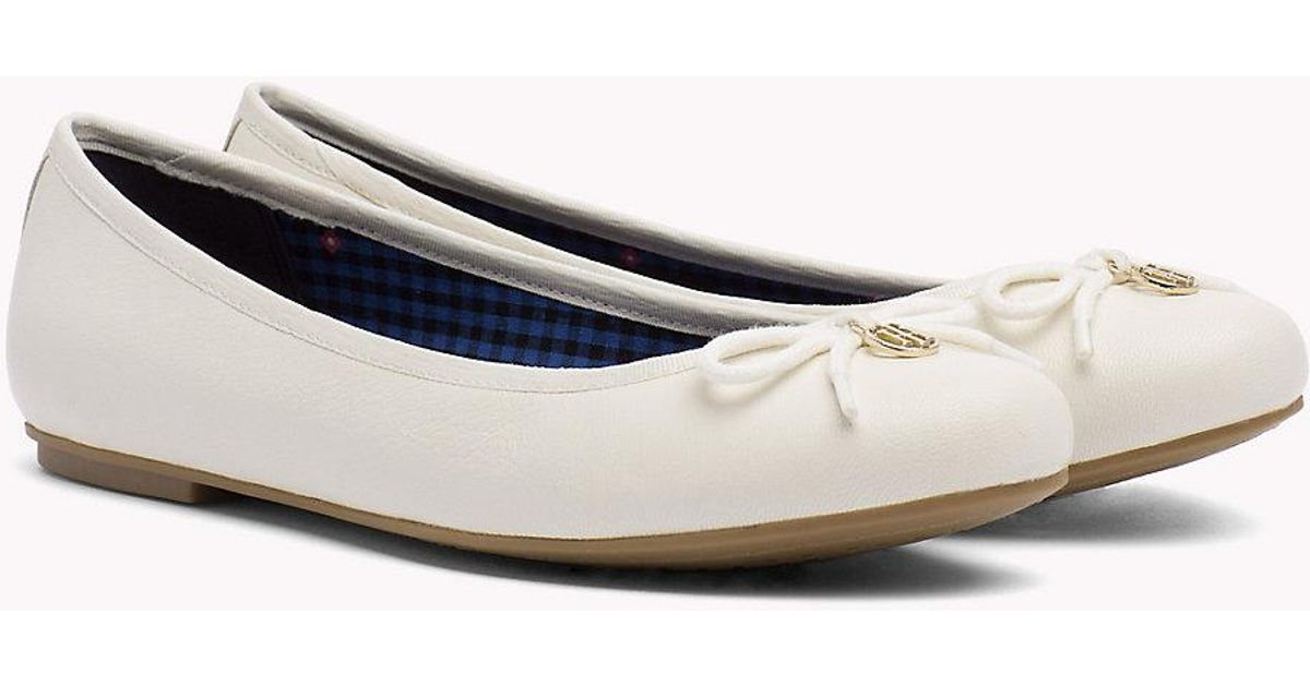Leather Ballerina in Shoes Lyst Hilfiger Tommy White SMpULGqzV