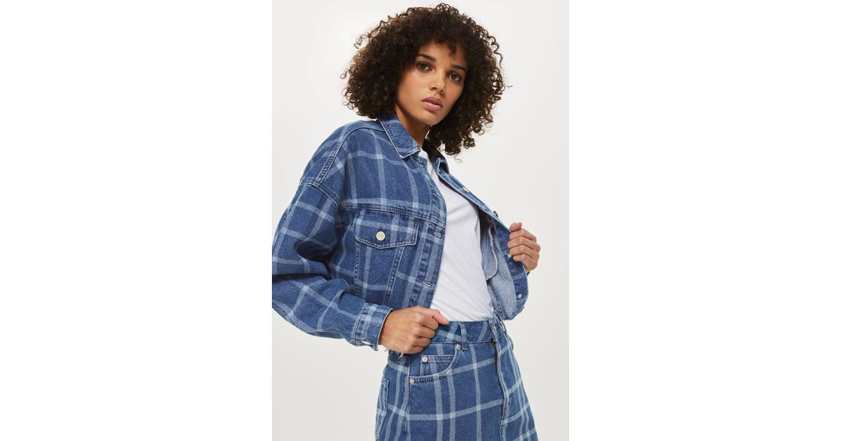 47be12a5faf26 TOPSHOP Checked Crop Denim Jacket in Blue - Lyst