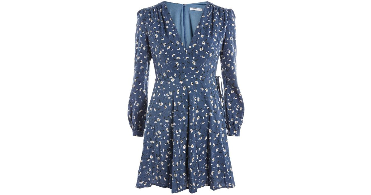 b56d291f40f Lyst - TOPSHOP Ditsy Floral Plunge Skater Dress By Glamorous Petites in Blue