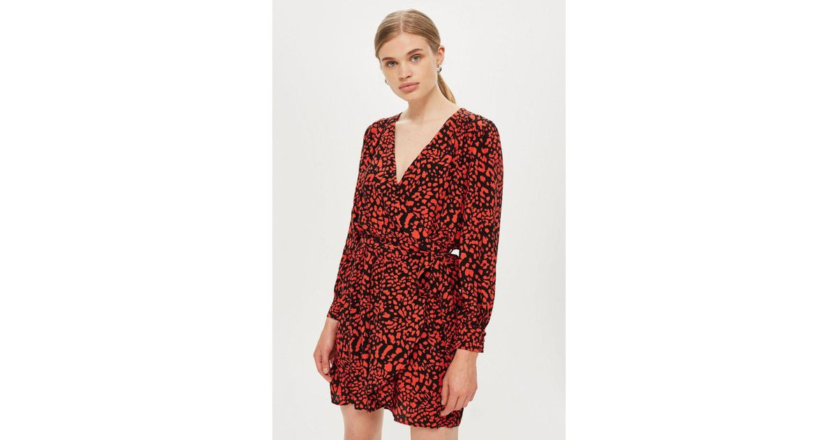 cd386678e3 TOPSHOP Bubble Satin Wrap Dress in Red - Lyst