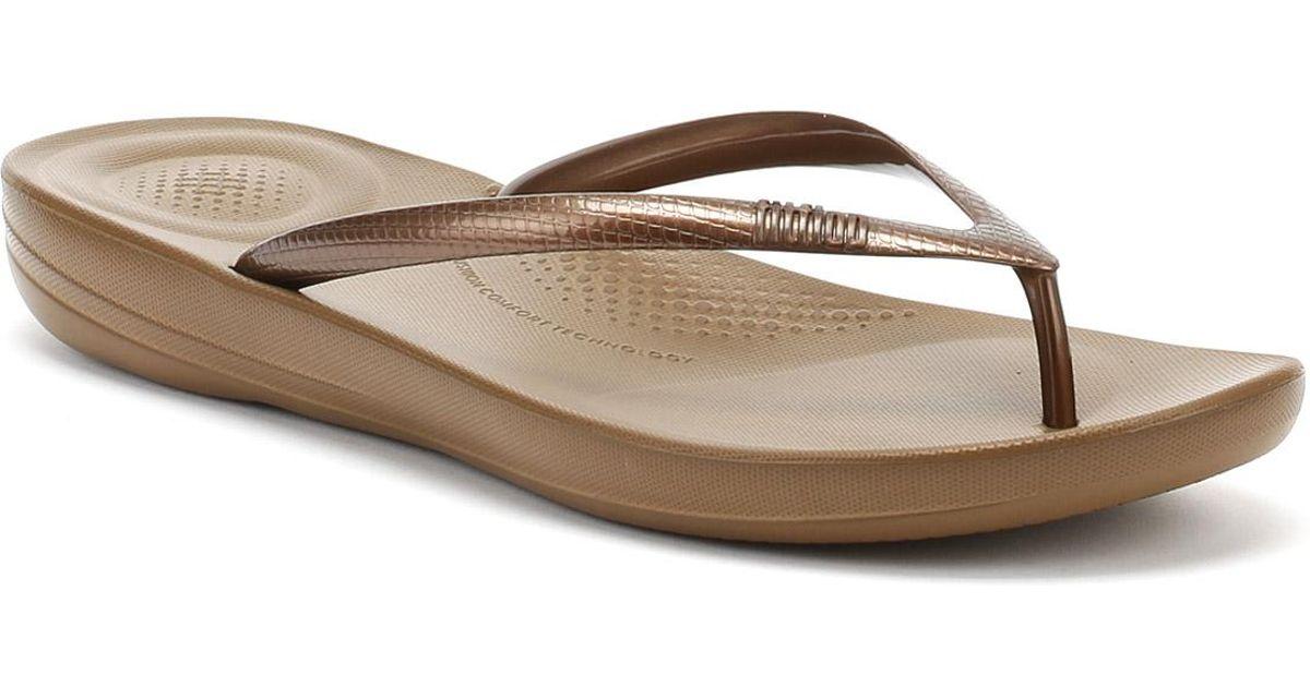 543db071024256 Lyst - Fitflop Womens Bronze Iqushion Ergonomic Flip Flops