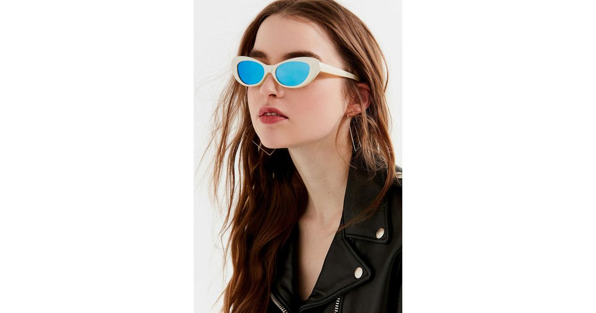 39f679cbe1a6 Lyst - Urban Outfitters Retro Rounded Cat-eye Sunglasses in Metallic