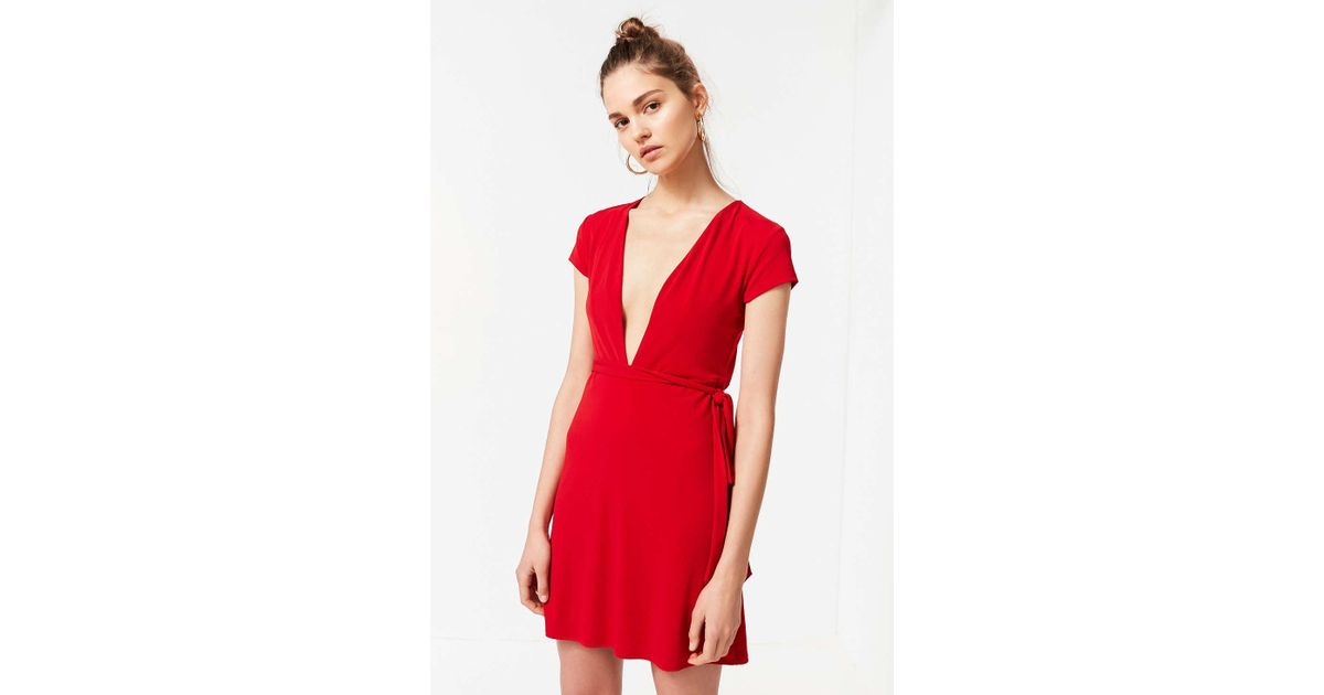 8cabb26b226 Lyst - Urban Outfitters Uo Toni Plunging Tie-waist Dress in Red