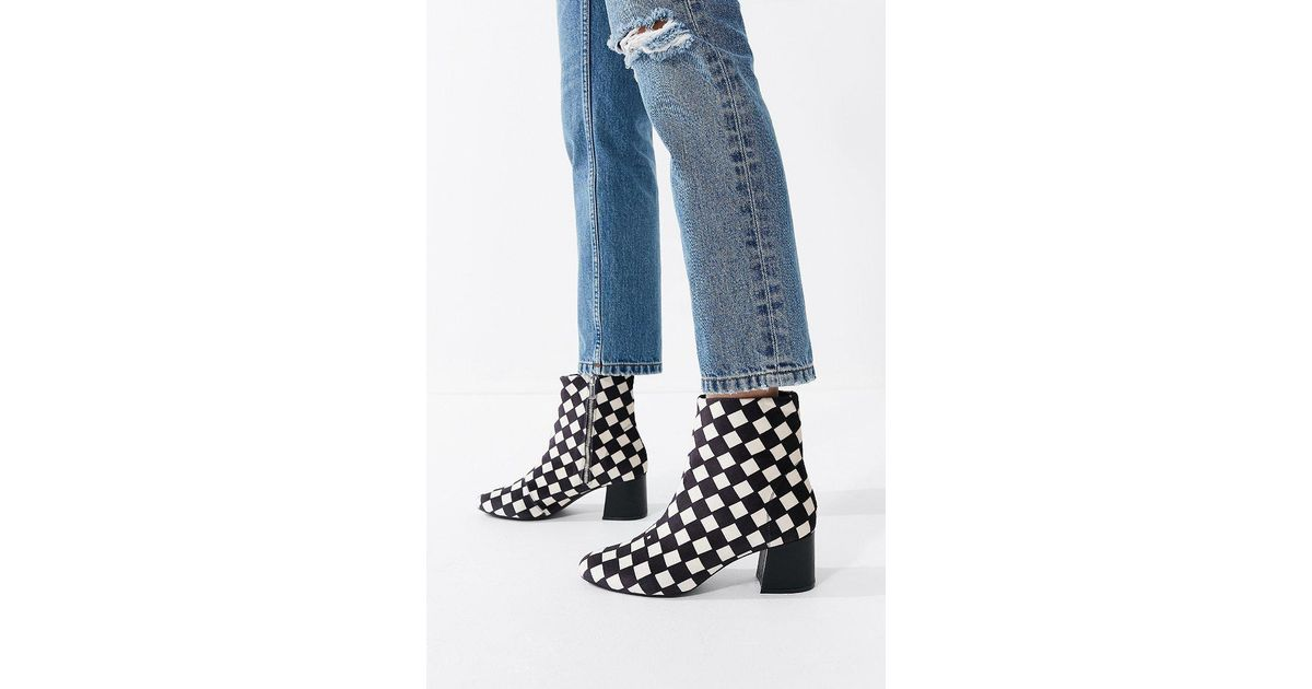 da0f88b8a66 Urban Outfitters Mel Velvet Checkerboard Ankle Boot in Black - Lyst
