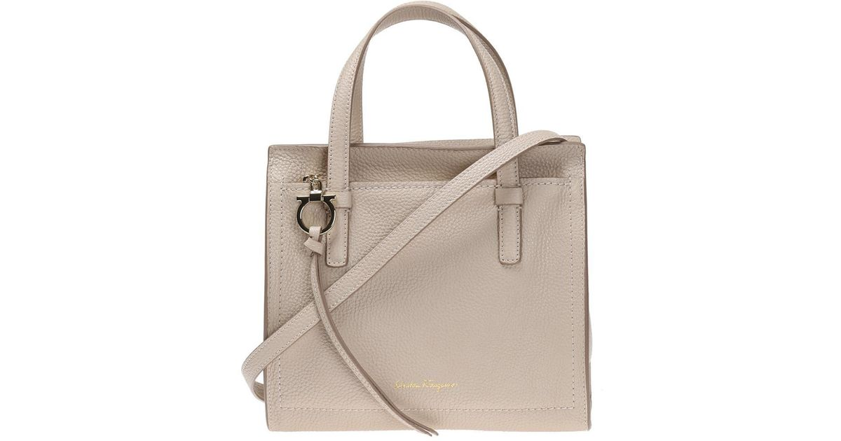 d8f3bc7b539 Lyst - Ferragamo  amy  Leather Shoulder Bag in Natural