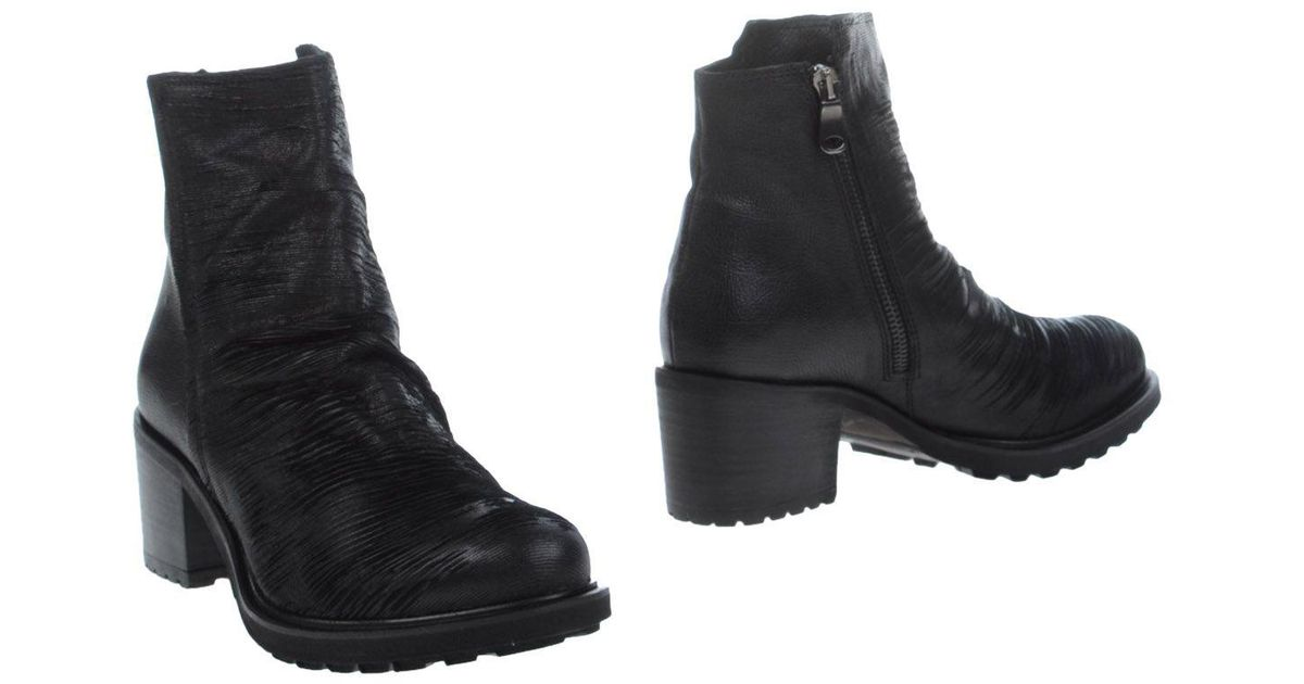 ec8416d5bdd6 Lyst - Keb Ankle Boots in Black