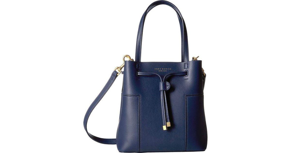 d5681aca9fd Lyst - Tory Burch Block T Small Bucket Bag in Blue