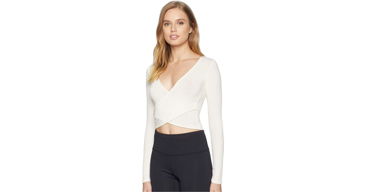 d08594ded2c64 Lyst - Alo Yoga Amelia Long Sleeve Crop Top (nectar) Women s Clothing in  White