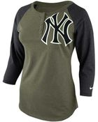 Nike Women'S New York Yankees Lights Out Raglan Top - Lyst