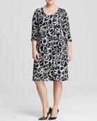 Karen Kane Plus Artistic Ring Print Three-Quarter Sleeve Tee Dress - Lyst