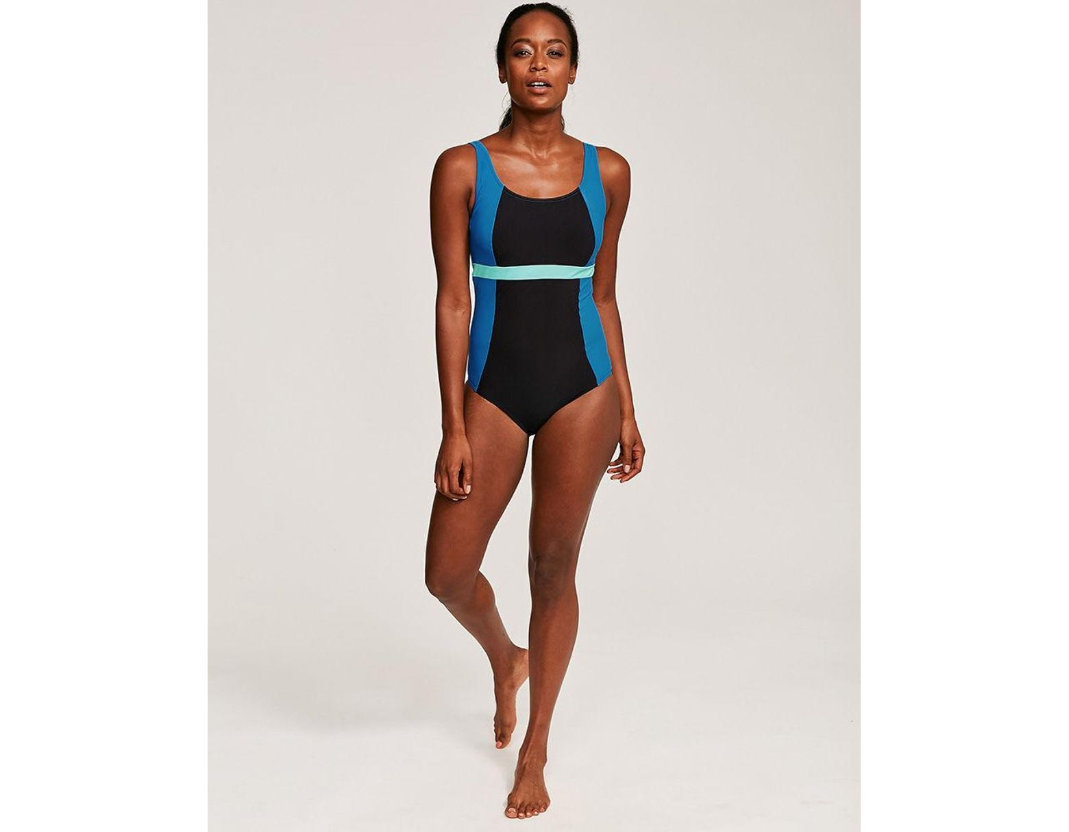 ef86af4bbc Figleaves Freestyle Sports Underwired Colourblock Swimsuit C-GG Cup in  Black - Lyst