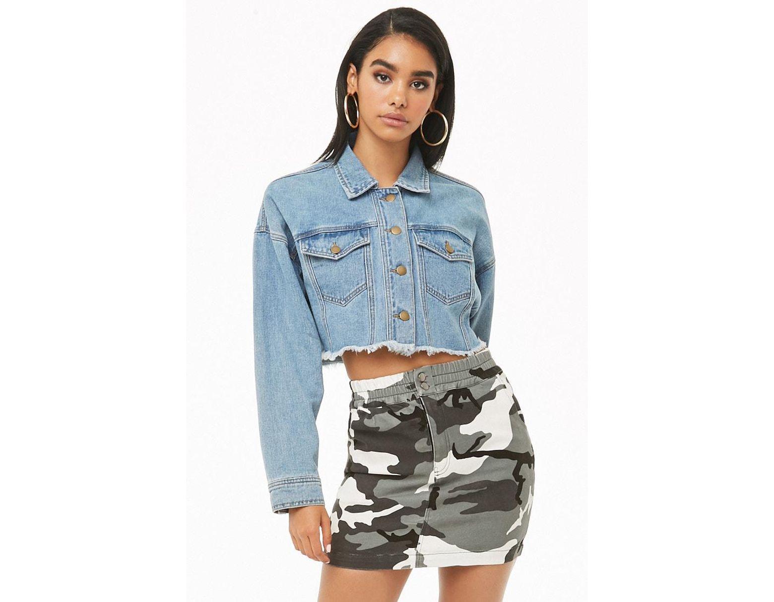 a5e16674f Minifalda denim camuflaje Forever 21 de color Negro - Lyst