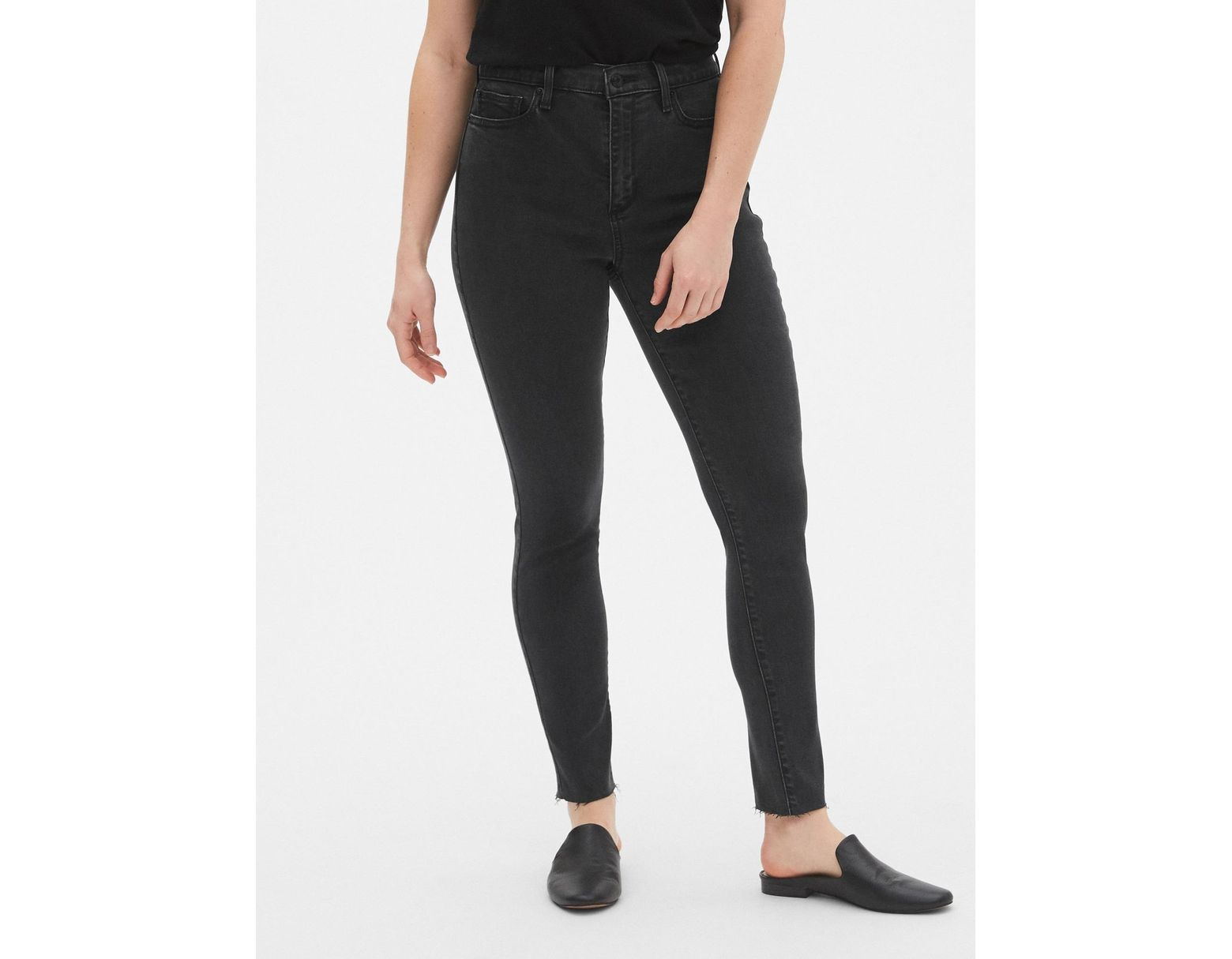 522411f0ed Gap Soft Wear High Rise True Skinny Jeans With Secret Smoothing Pockets in  Black - Lyst