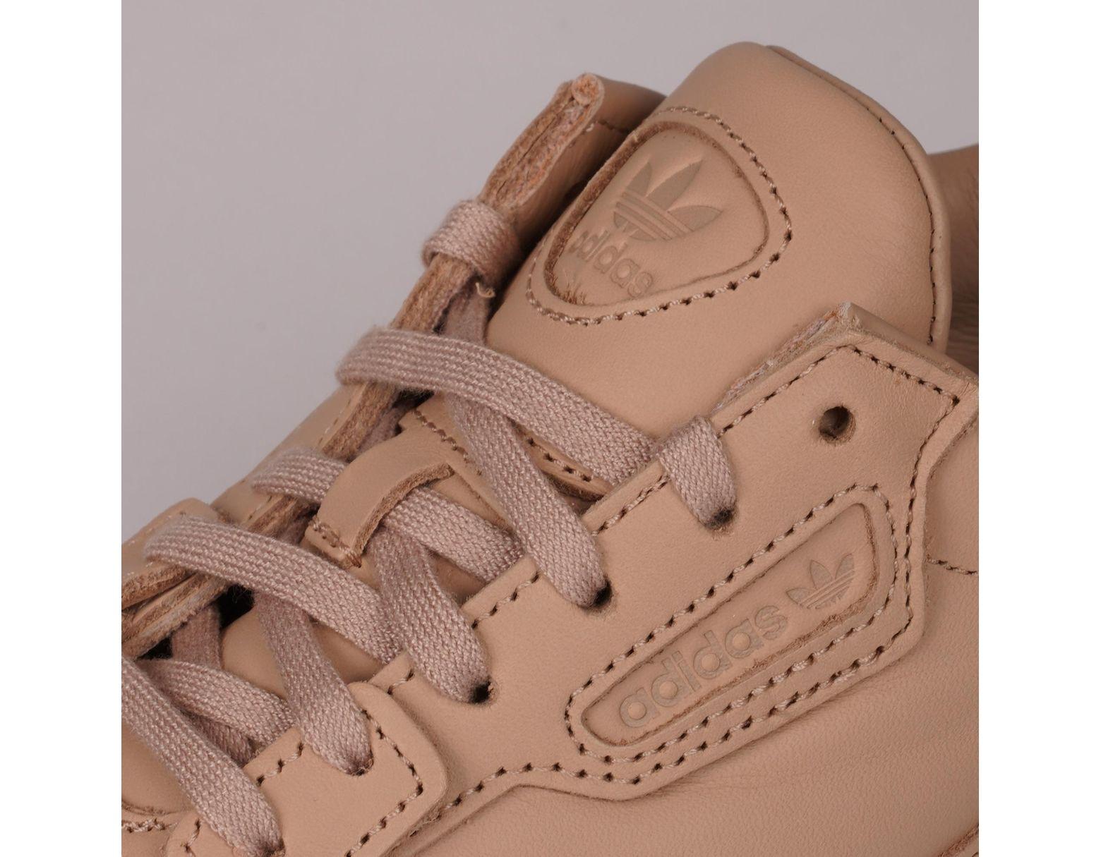 49224add659ab6 adidas Originals Falcon - Ash Pearl & Off White in Pink - Lyst