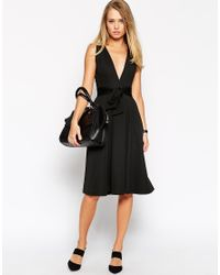 ASOS - Black Midi Dress In Texture With Plunge Neck And Tie Belt - Lyst