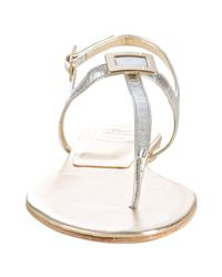 Roger Vivier - Silver Metallic Leather Thong Sandals - Lyst