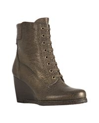 Stuart Weitzman | Green Metallic Olive Leather Woodstock Lace Up Wedge Boots | Lyst