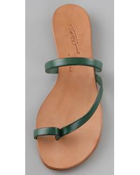 Tapeet | Green Toe Ring Flat Sandals | Lyst