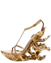Alexander McQueen - Metallic Floral-wedge T-strap Sandal - Lyst