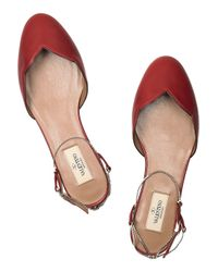 Valentino - Red Chain-strap Scalloped Leather Flats - Lyst