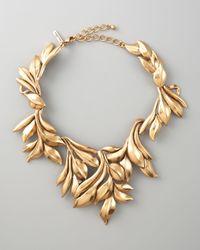 Oscar de la Renta | Metallic Gold Leaf Collar Necklace | Lyst
