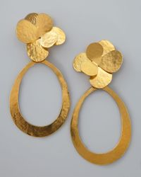 Herve Van Der Straeten | Metallic Hammered Gold Petal Earrings | Lyst