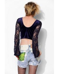 Urban Outfitters - Blue Staring At Stars Lace-Sleeve Velvet Cropped Top - Lyst
