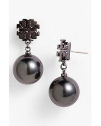 Tory Burch | Gray Evie Logo Pearl Drop Earrings | Lyst