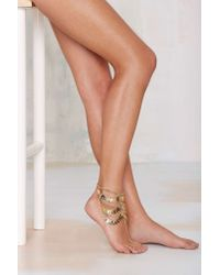 Nasty Gal - Metallic Step To It Foot Chain - Lyst