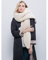 Free People - Natural Bickley & Mitchell X Womens Wonderland Wrap Scarf - Lyst