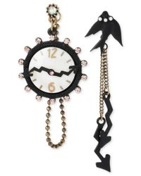 Betsey Johnson | Black Two-Tone Clock And Bird Mismatch Drop Earrings | Lyst