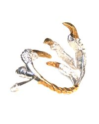 Tessa Metcalfe - Metallic Pigeon Grasp Ring With Gold Nails - Lyst