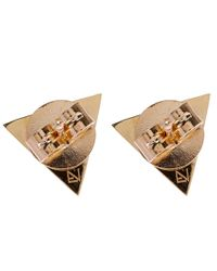 Noor Fares - Metallic Gold Tetrahedron Blue Sapphire Stud Earrings - Lyst