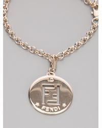 Fendi logo charm bracelet - Metallic DV8bW