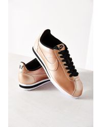 size 40 522d6 60786 Metallic Womens Classic Cortez Leather Sneaker