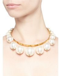 Erickson Beamon | White 'lady & The Tramp' Glass Pearl Choker Necklace | Lyst