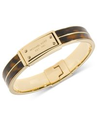Michael Kors - Brown Gold-Tone Tortoise Logo Plate Hinged Bracelet - Lyst