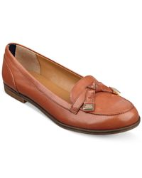Tommy Hilfiger | Brown Letyan Flats | Lyst
