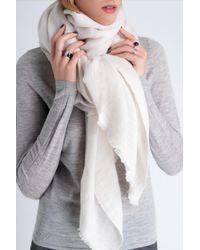 Amanda Wakeley - Oversized White Cashmere Scarf - Lyst