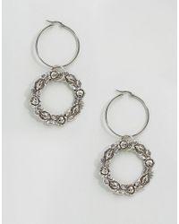 Regal Rose - Metallic Virginia Floral Wreath Hoop Earrings - Lyst