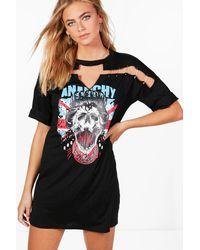 Boohoo - Black Lia Slogan Pin Detail Choker T-shirt Dress - Lyst